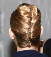 Chic, le chignon banane version 2014 !