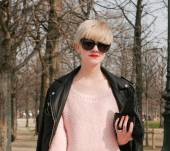 Adopter le blond platine : Streetstyle