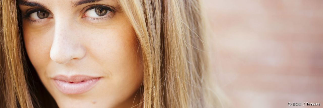 Yeux marron : quel blond adopter ?